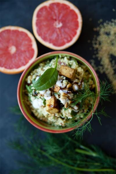 Bulgur salat mit Kichererbsen-und-tofu-vegan