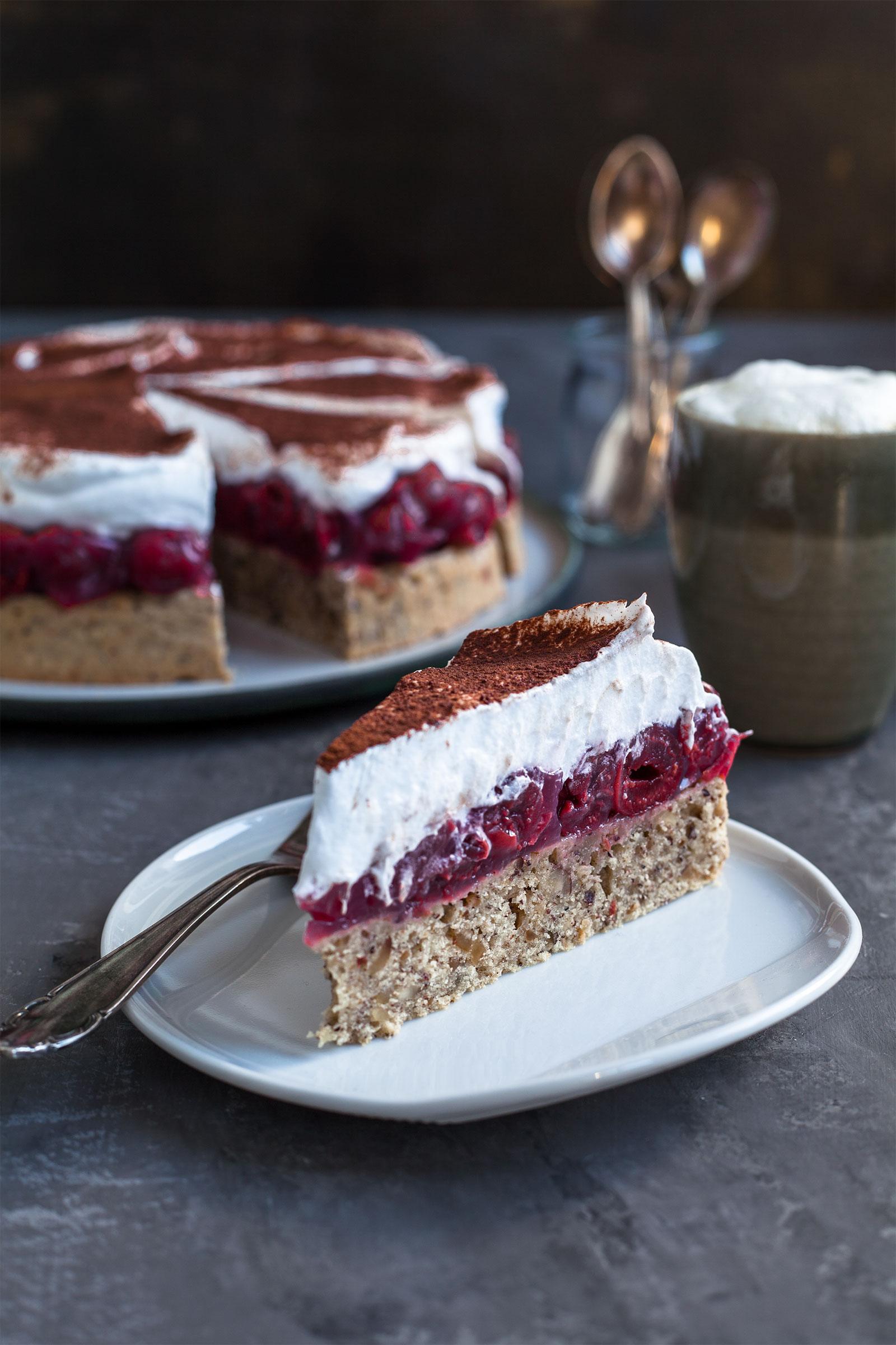 Haselnuss kirsch torte